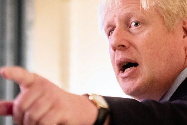 Boris Johnson poursuit son bras de fer avec l'Union Européenne.
