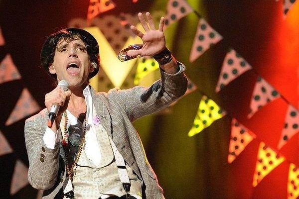 Mika lors d'un concert au Maroc.