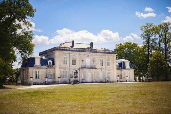 Extérieur du château de Montaigu.