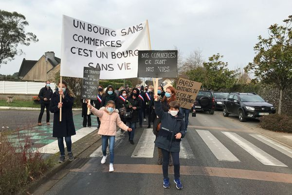 Les habitants de Grand-Champ (Morbihan) soutiennent leurs commerces de proximité
