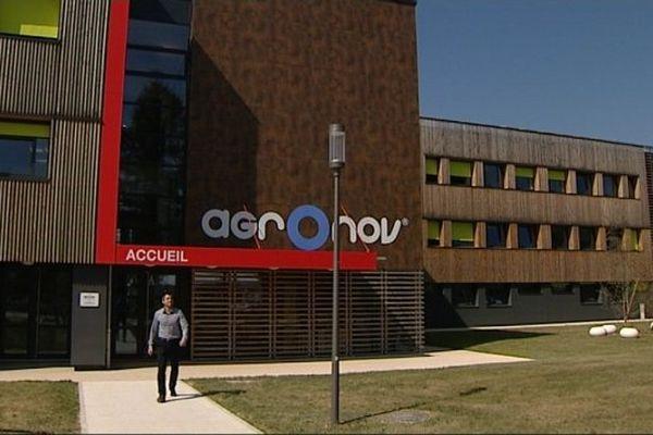 Le bâtiment de 2500m2 a fait l'objet d'une rénovation menée par Tria Architectes (Dijon)