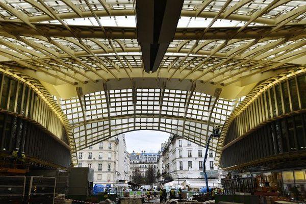 Sous la Canopée des Halles, en chantier, à Paris, en janvier 2016.