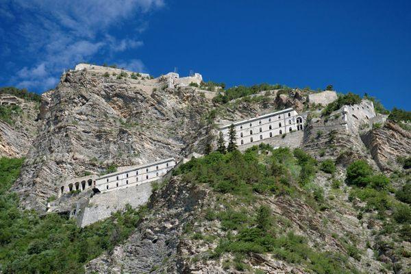 Le fort de Tournoux s'étale sur un dénivelé de 700 mètres.