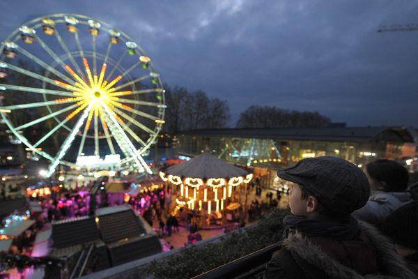 Le marché de Noël d'Orléans, lors de l'édition 2012.