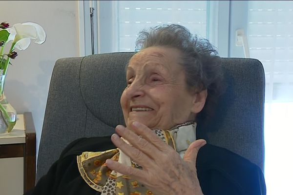 Aline Ditlecadet s'amuse beaucoup en racontant ses souvenirs