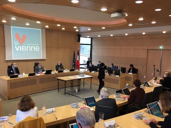 Alain Pichon au conseil départemental de la Vienne