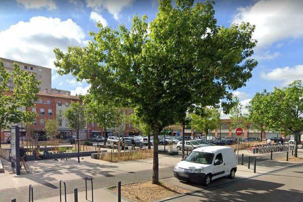 Toulouse - place Anthonioz de Gaulle - archives.