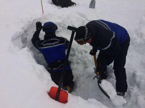 Sur cette opération, ces spécialistes du secours en montagne ont reçu le soutien de 17 de leurs collègues du groupe montagne de la gendarmerie.
