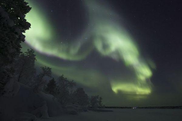 Des aurores boréales à Inari, en Finlande, le 25 décembre 2017.
