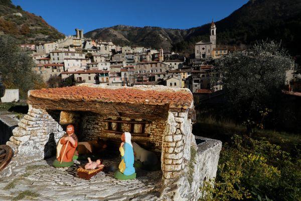 Le village de Luceram a fait sa notoriété depuis plus de 20 ans avec son circuits des crèches.