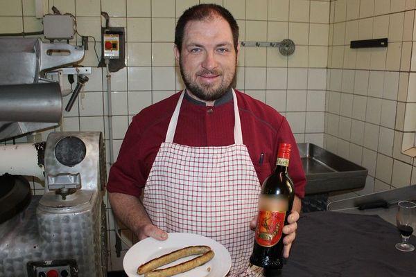 Sébastien Magard commercialise depuis 5 ans une saucisse au Picon. D'une blague entre cousins est née une recette.