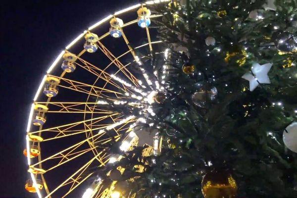 La grande roue du Train'Haut du père Noël installée à Sèvremont va faire aussi rest'haut