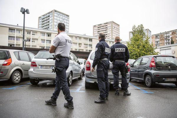 Contrôle de police, quartier Maurepas de Rennes