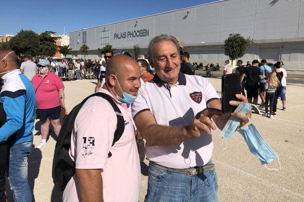 Stéphane Robineau avec l'un de ses fans.