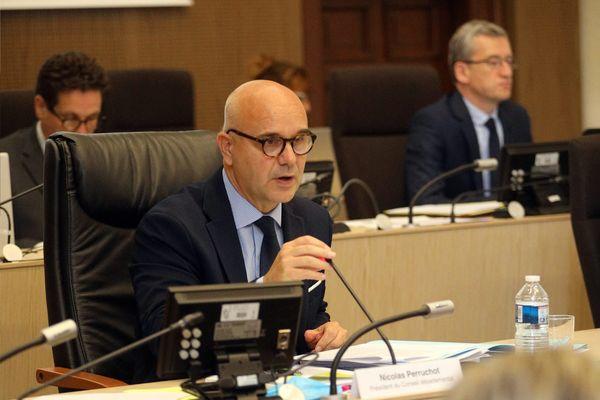Qui succédera à Nicolas Perruchot, le président sortant du conseil départemental du Loir-et-Cher ?