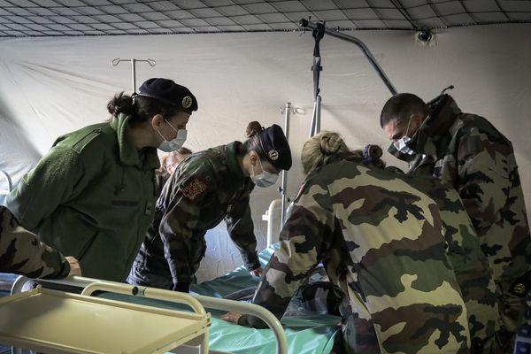 L'hôpital militaire de Mulhouse installé sur le parking de l'hôpital civil