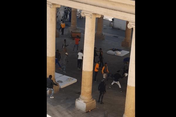 Une bagarre entre migrants a éclaté mardi 25 septembre sous le préau de la faculté d'éco-gestion à Marseille
