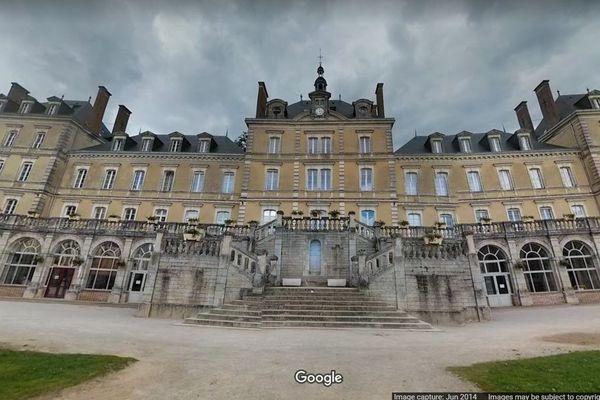 Cent-quatre-dix personnes se sont réunies entre le 22 et le 25 octobre à l'occasion d'une retraite spirituelle au sanctuaire de Montligeon (Orne).