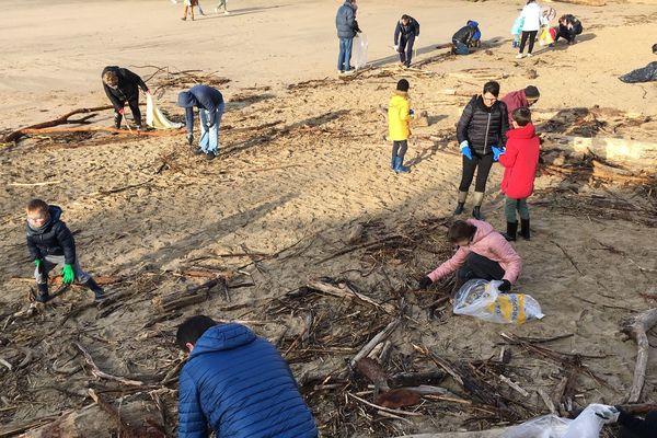 Nettoyage des plages du Chay et du Pigeonnier à Royan