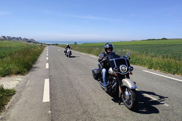 Des motards sur la route des Deux-Caps
