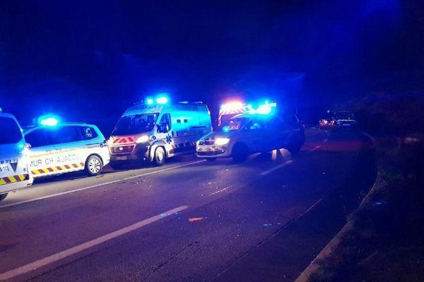 28/11/2017 - Un accident de la circulation impliquant quatre véhicules, a fait cinq blessés, lundi soir au col Saint-Georges, a-t-on appris auprès des pompiers de Corse du Sud.