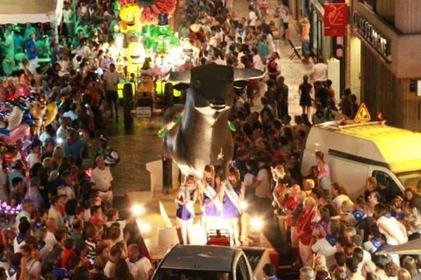La Grande Cavalcade inaugurale dans les rues de Mont de Marsan, le mercredi 16 juillet 2014