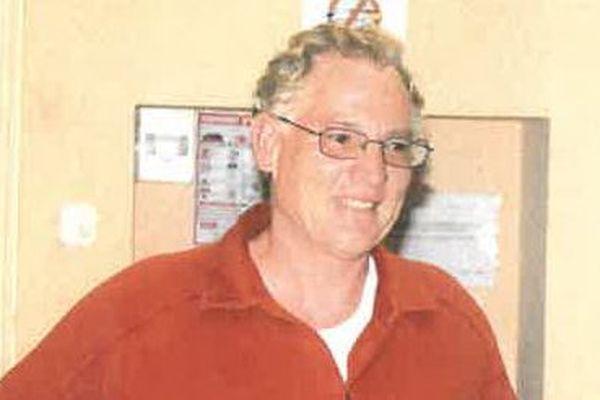 Laurent Carreau portait un pantalon marron en velours et une veste polaire grise au moment de sa disparition