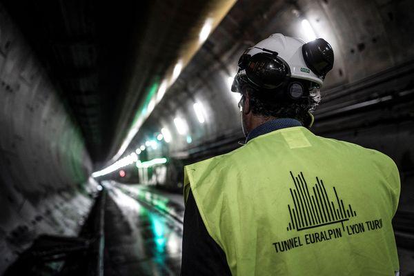 """Le chantier du Lyon-Turin connaît un ralentissement """"modéré"""" à cause de l'épidémie de coronavirus."""