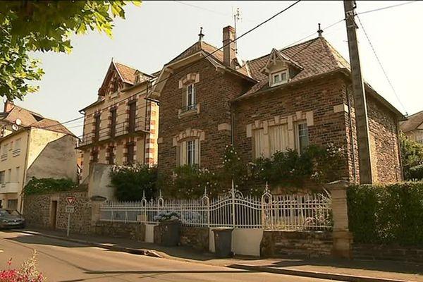 A Allassac, en Corrèze, des maisons construites au 20ème siècle, représentatives de l'architecture des années 1900 à 1940.