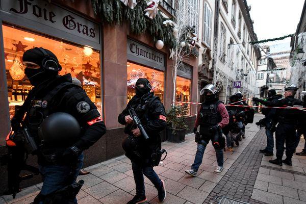 Les forces de l'ordre toujours à la recherche de l'auteur des tirs à Strasbourg.