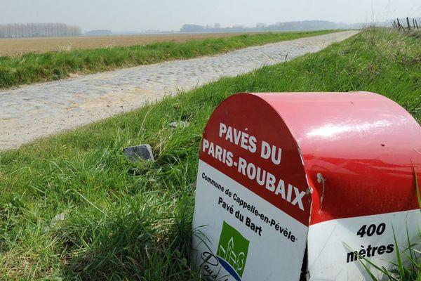 Photo prise près des pavés de Cappelie-en-Pévèle (Nord) lors du Paris-Roubaix 2012.