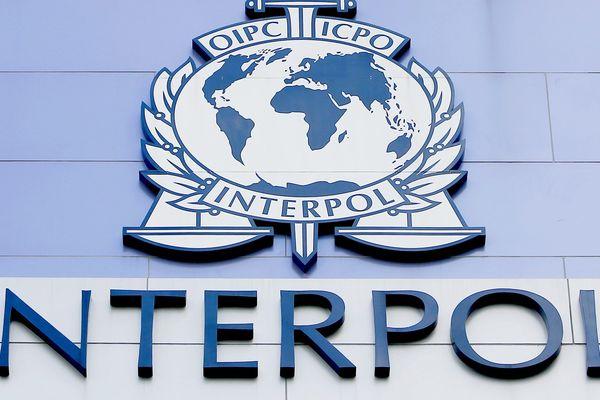 """""""Il est essentiel que les autorités soient autant préparées que possible face à l'irruption à venir de tous types d'activités criminelles liées au vaccins contre la Covid-19"""" estime Jürgen Stock, secrétaire général d'Interpol, l'organisation internationale de police criminelle basée à Lyon."""