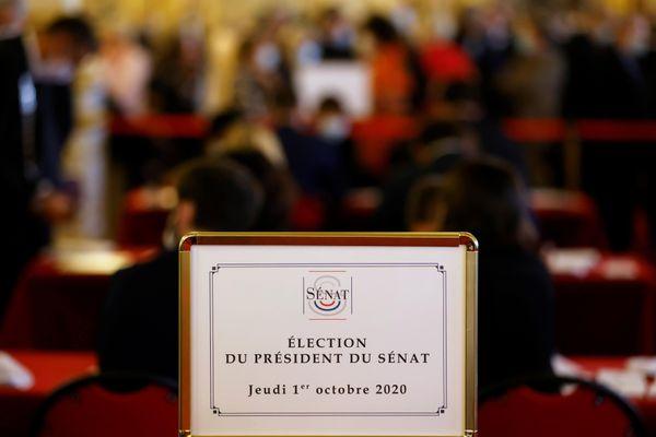 Gérard Larcher a décroché un 4e mandat en tant que président du Sénat. Il est le troisième personnage de l'État dans l'ordre de préséance, après le président de la République et le Premier ministre.