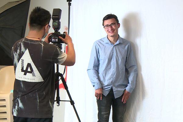 Guillaume, étudiant en première année d'histoire, prend la pause sous l'objectif d'Eric La.