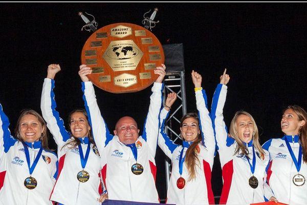 Le vol relatif féminin se porte bien. Les 4 françaises (dont la haut-alpine, Clémentine Le Bohec, complètement à droite) ont remporté l'or aux derniers mondiaux qui avaient lieu début octobre en Australie. Avec un record du monde à la clé.