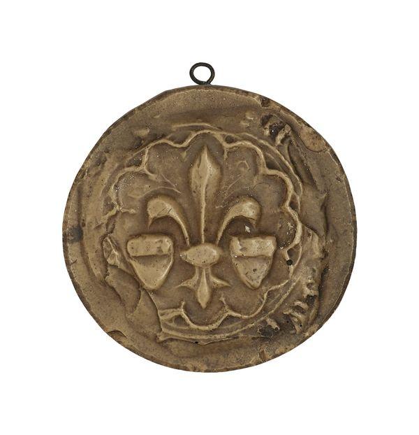 Sceau de la ville d'Amiens représentant une fleur de lys et deux écus - XVe siècle