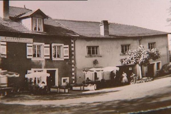 L'hostellerie de Chateau-grenouille un ancien hôtel restaurant en Haute-Saône