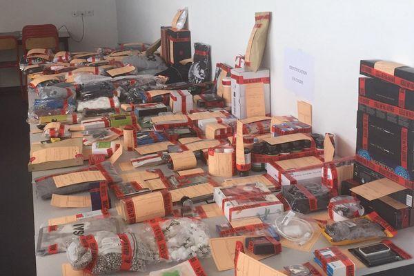 Les objets récupérés par les gendarmes de Rousset