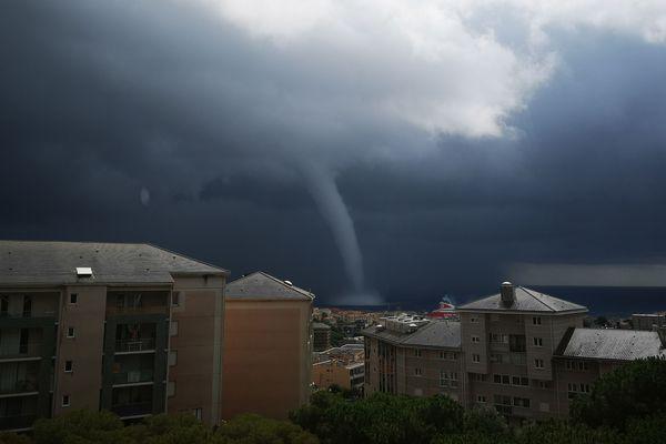 La trombe marine observée à Bastia en milieu de journée.