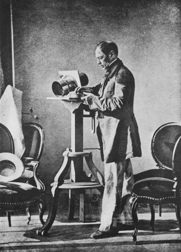 Autoportrait d'Hippolyte Bayard avec appareil photo - 1850-1855