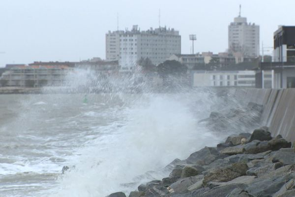 Le vent continue à souffler fort ce vendredi 13 décembre en Charente-Maritime.