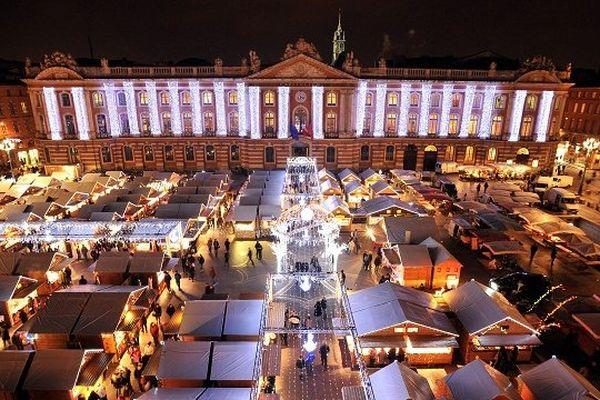 Le village de Noël s'installe à Toulouse sur la place du Capitole