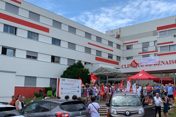 Grève des personnels de la clinique de Renaison à Roanne - 5 juin 2019