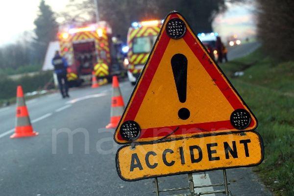 Accident de la route : Intervention des sapeurs-pompiers.