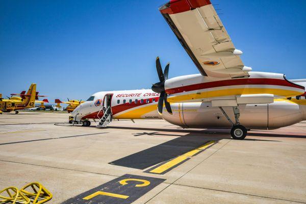 Un Dash, l'un des appareils susceptibles d'être réalimenté à l'aéroport d'Albert-Picardie (ici sur la base de Nîmes-Garons, en 2020.