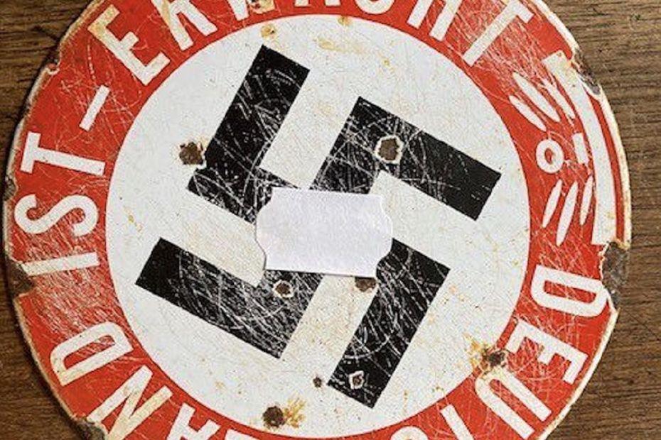 Entre légalité et moralité : ces ventes aux enchères d'objets nazis qui font polémique en Occitanie