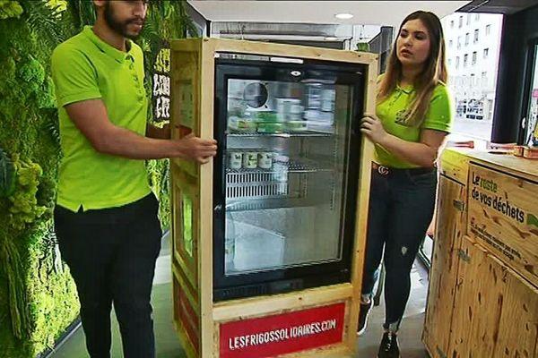 Le premier Frigo solidaire de Rouen est installé en partenariat avec le restaurant Burger Green.