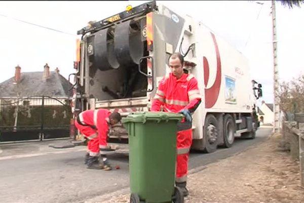Les nouvelles modalités de collecte des ordures ménagères passent mal dans certaines communes