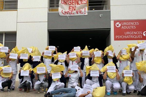 Les urgentistes de la Timone à Marseille sont toujours en grève.