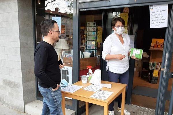 Maritsa Boghossian de la librairie Pleine Lune à Tassin a repris une activité réduite de vente à la commande